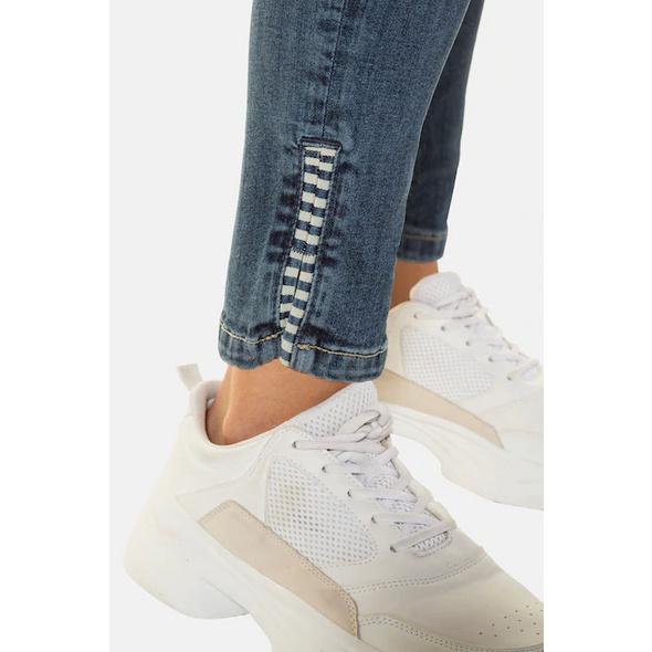 Jeans Julia, Streifen-Details, schmale 5-Pocket-Form